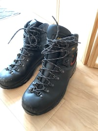 Men's Hiking Boots Minneapolis, 55402