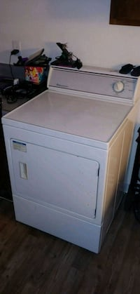 white front-load clothes dryer Colorado Springs, 80910