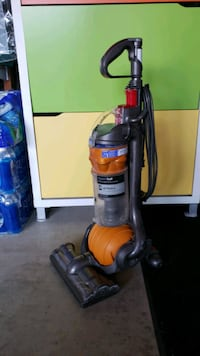 red and gray upright vacuum cleaner Campbell, 95008