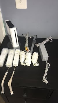Wii console with 3 controllers and 3 nunchucks  Woodbridge, 22192