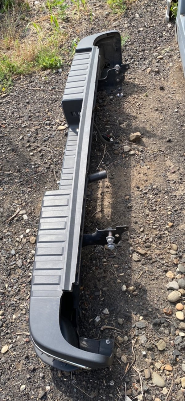 NEW 2019-2020  GMC/Chevy rear step bumper 4