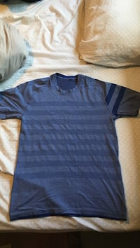 Lulu lemon work out shirt