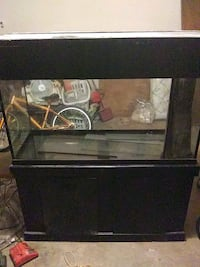 Fish tank with stand 4ft long 18 inches wide 25 inches deep Oklahoma City, 73159