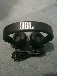 JBL headphone