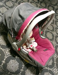baby's pink and gray car seat carrier Rialto, 92376