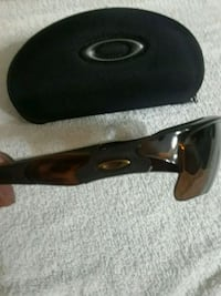 brand new men's Oakley sunglasses  Mississauga, L5N 3R9