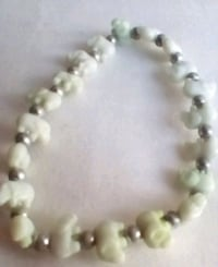 white and green beaded necklace Council Bluffs, 51501