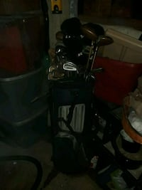 black and gray golf bag with golf clubs Port Huron, 48060