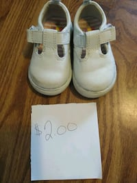 pair of white leather boots Fulton, 13069