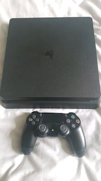 Slim Ps4 1TB and Controller  Mississauga