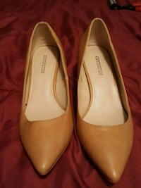 pair of brown leather flats Laurel, 20707