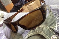 brown framed Ray-Ban wayfarer sunglasses Kelowna, V1Y 5A8