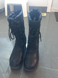 pair of black leather boots Waterloo, N2L