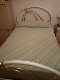 Double White Brass Bed  Vaughan, L6A 1A8