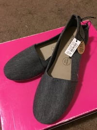 Size 10 Gray Ardene Toms-Like Sneakers/Flats Calgary, T3J 5H9