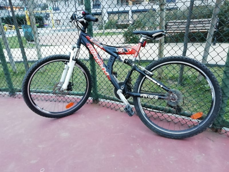 Bianchi bisiklet  e7d888e6-2198-4d61-aa33-ab3bee8a4bc2