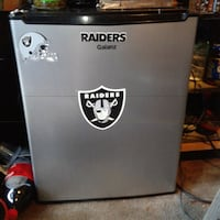 Galanz gray & black Oakland Raiders  chest cooler Compton, 90221