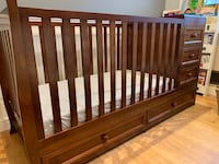 Like New Convertible Crib and Changer Rockville