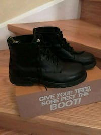 pair of black leather work boots 8.5 Brampton, L7A 1R9