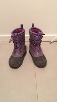 Size 2 winter/snow boots Central Saanich, V8M 1J2
