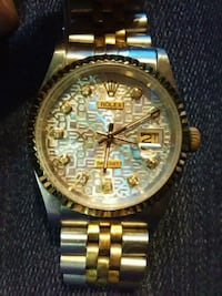 round gold-colored analog watch with link bracelet Corona, 92879