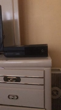 Xbox 1 with 4 games Indianapolis, 46205
