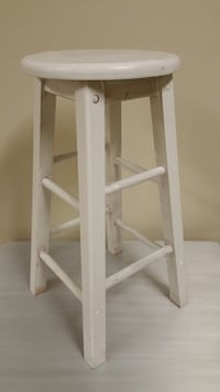 "24"" WOOD STOOL Arlington, 22204"