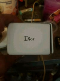 Dior 300 or b3st offer Vancouver, V6A