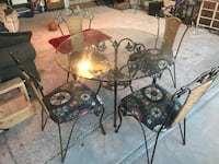 Glass kitchen table with 4 chairs Oklahoma City, 73142