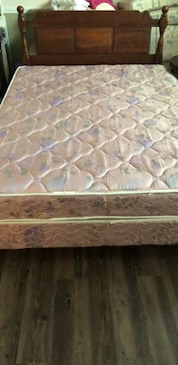 queen bed and mattress Fort White, 32038