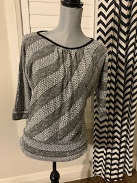 By & By women's top size L