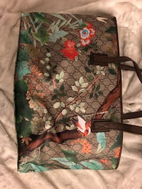 Gucci Flower Bloom large leather print tote bag Toronto