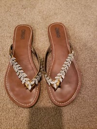 pair of brown leather sandals Springfield, 22150