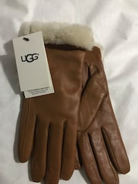 Brown leather ugg gloves