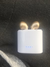 Wireless gold headphones  Gaithersburg, 20877