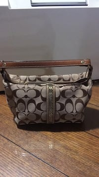 coach purse 4 1/2 inch tall  8 1/2 long Excellent condition Harpers Ferry, 25425