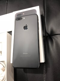 Iphone 7 Plus 32 GB unlocked with 4 cases screen protector and charger Brampton, L6R 0H8