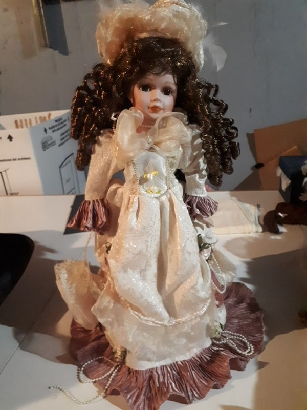 DOLL WITH STAND