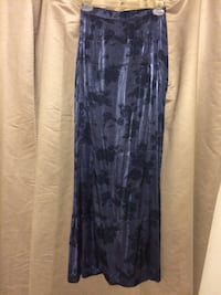 La Belle fashions inc. long skirt with rose pattern print. Size 3