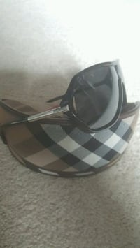Burberry sunglasses - Louis Vuitton Gucci