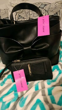 NEW Betsey Johnson purse and wallet set Abbotsford, V3G