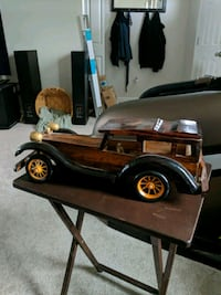 Scale model wooden car