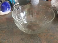 Glass serving bowl  Mississauga, L5N 8H4