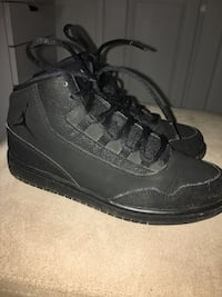 Boys Nike Jordan's size 3Y like new! Corona, 92881