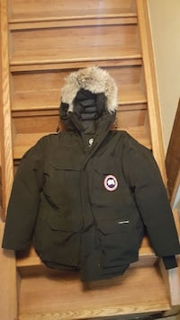 Canadian goose expedition jacket. Large Calgary, T1Y 2L9