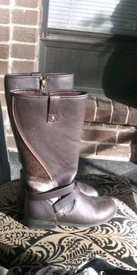 Michael Kors boots size 3 in kids
