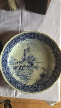 round white and blue ceramic plate West Boylston, 01583