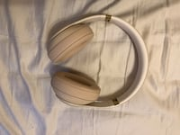 Beats Studio 3 Wirelesss (Willing to trade for new un used AirPods) Toronto, M9W 4P7