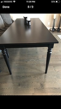 Black extendable wood table like new! Mississauga, L5R 0E9