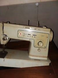 white Singer electric sewing machine Kannapolis, 28081